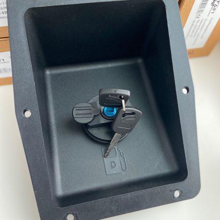 Embocadura de plástico para llenado de combustible